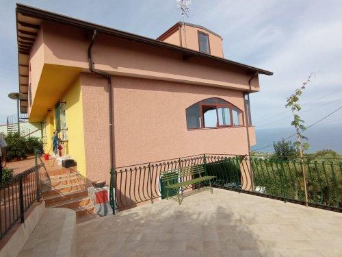 Casa adosada en Brolo