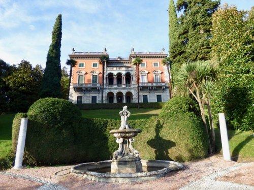 Apartamento histórico en Griante