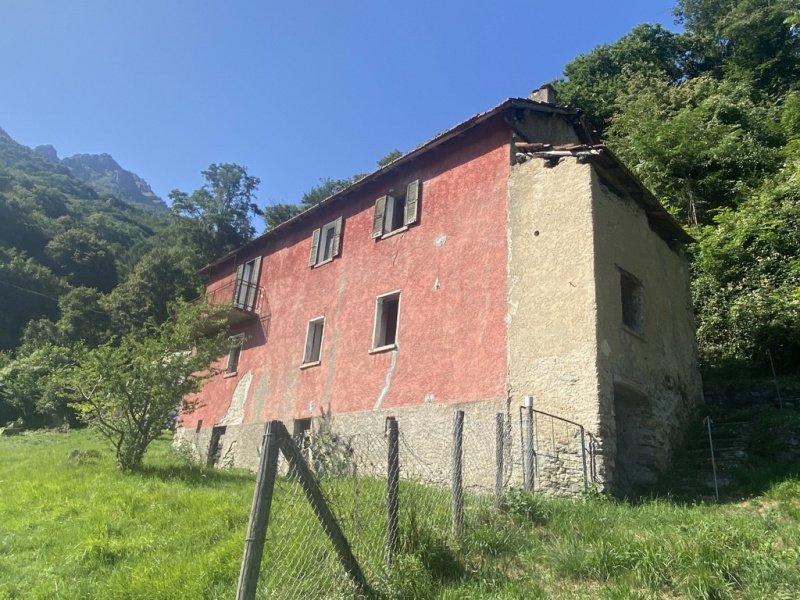 Detached house in Menaggio