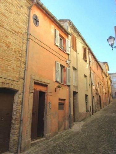 Reihenhaus in Belmonte Piceno