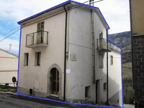 Detached house in Roio del Sangro