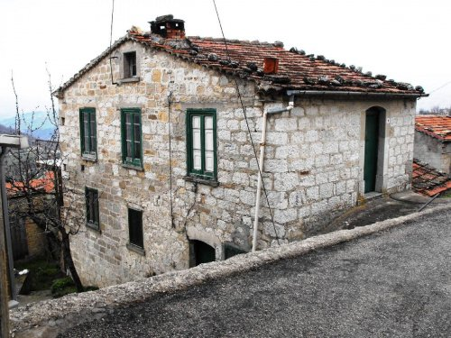 Farmhouse in Schiavi di Abruzzo