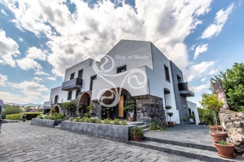 Historisches Haus in Acireale