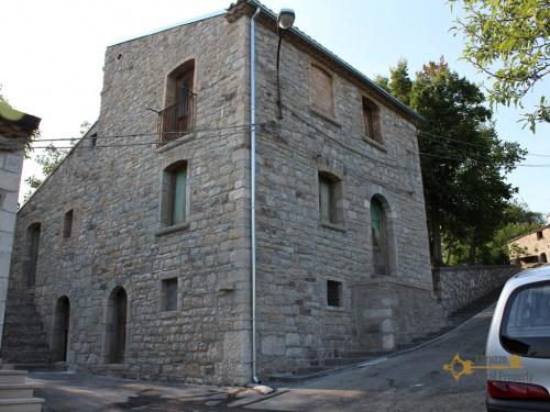 Hus i San Giovanni Lipioni