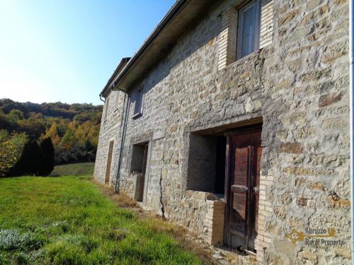 Hus på landet i Torricella Peligna