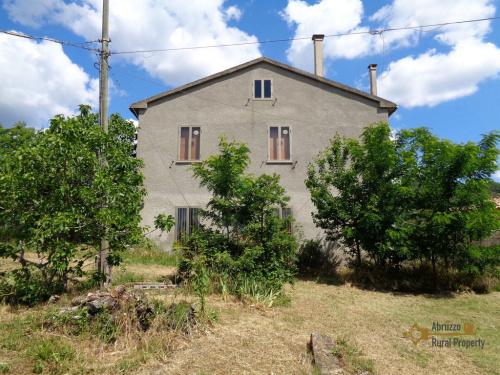 Hus på landet i San Giovanni Lipioni