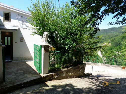 Hus på landet i Torrebruna