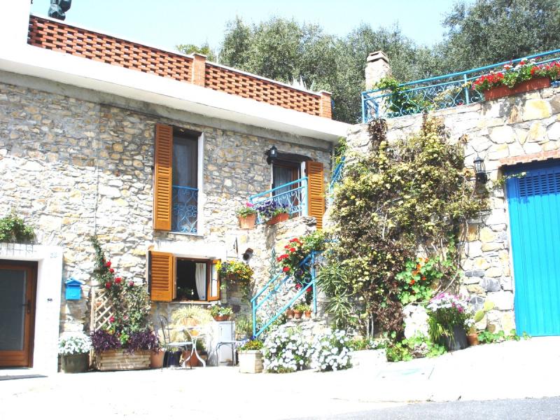Landhaus in Diano San Pietro