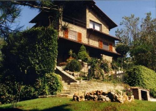 Haus in Santo Stefano Belbo