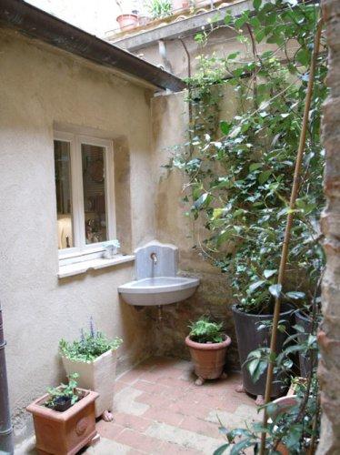 Historic apartment in Montone