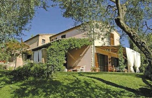 Country house in Penna in Teverina