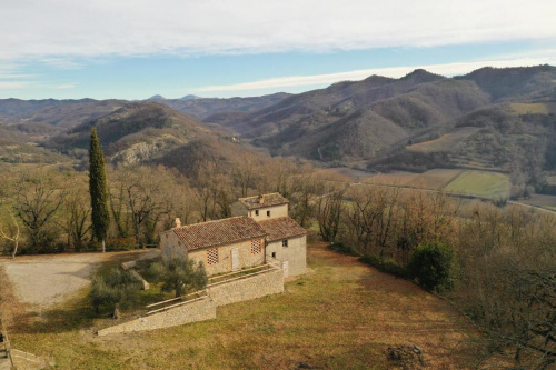 Country house in Montone