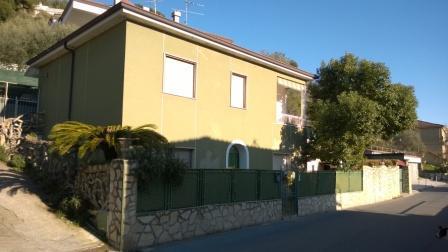 Haus in San Lorenzo al Mare