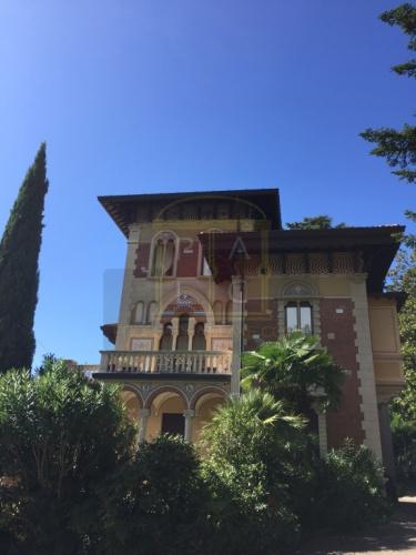 Historisch appartement in Laglio