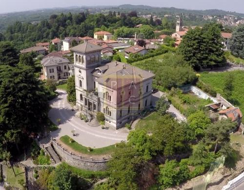 Villa in San Fermo della Battaglia
