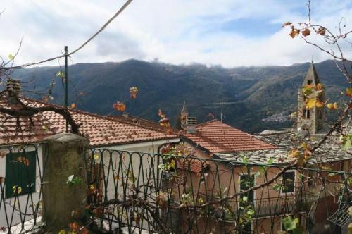 Wohnung in Cosio di Arroscia