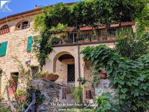Villa a Calci
