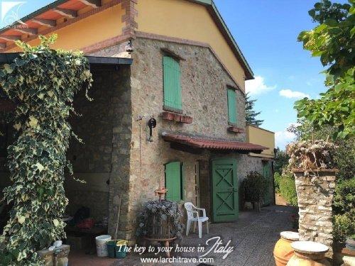 Villa i Lajatico