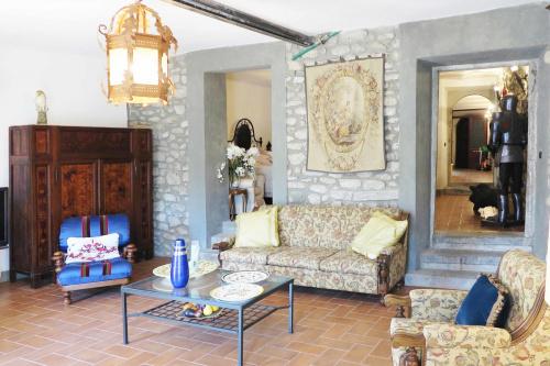 Gehucht in Villafranca in Lunigiana