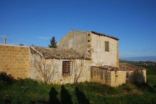 Сельский дом в Кальтаниссетта