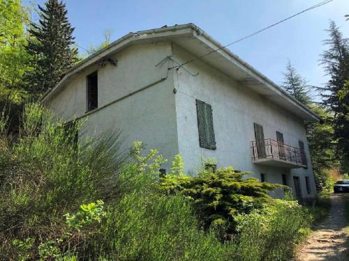 Haus in Loazzolo