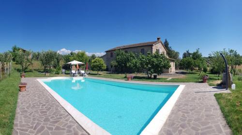 Klein huisje op het platteland in Cinigiano