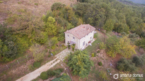 Country house in Baschi