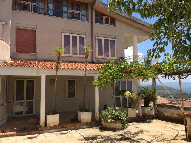 Casa en Nicotera