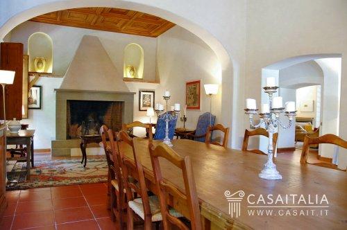 Historiskt hus i San Gimignano