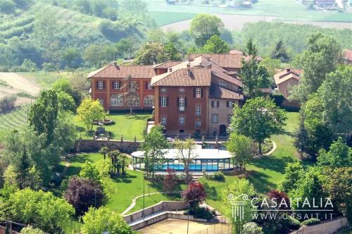Historisches Haus in Asti