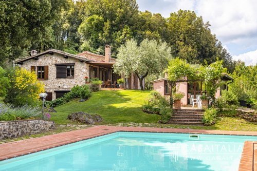 Villa in Monticiano