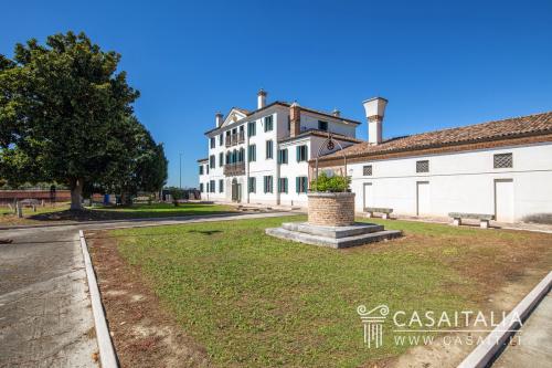 Villa en Canaro