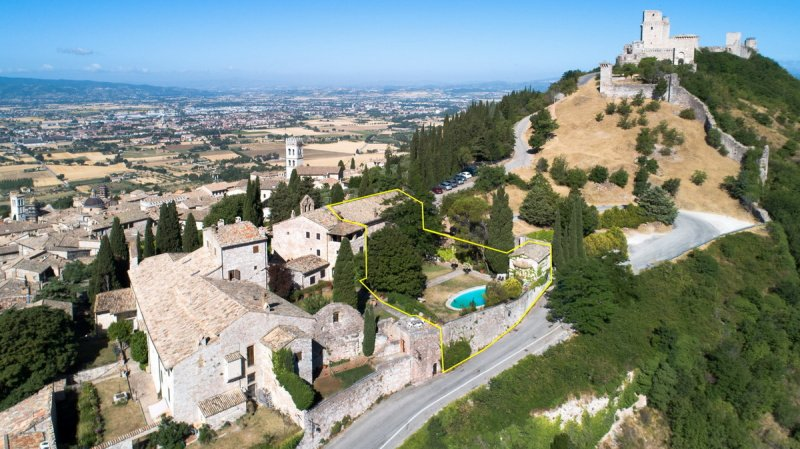 Self-contained apartment in Assisi
