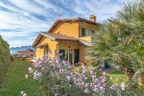 Semi-detached house in Cernobbio