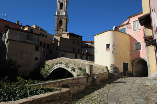 Historisch appartement in Dolcedo