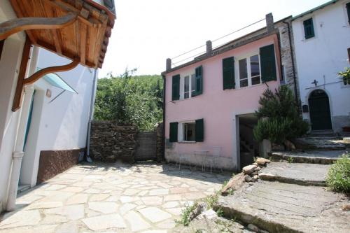Haus in Montalto Carpasio