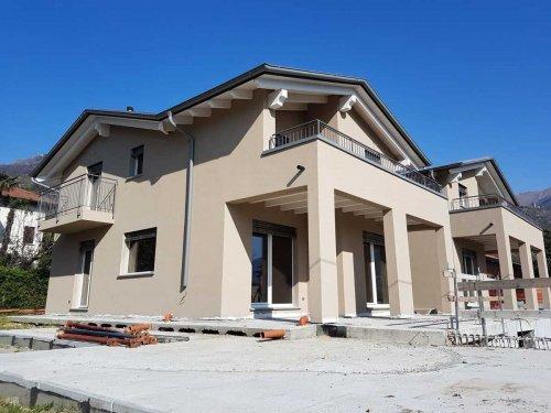 Villa in Dongo