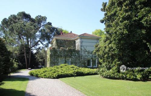 Villa a Como