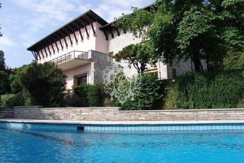 Villa in Belgirate