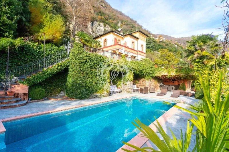 Villa in Moltrasio