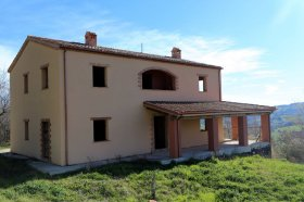 Country house in Tolentino