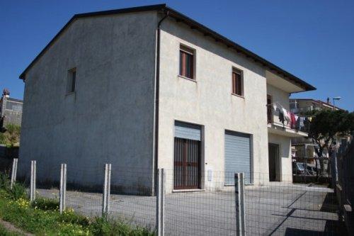 Casa independente em Santa Maria del Cedro