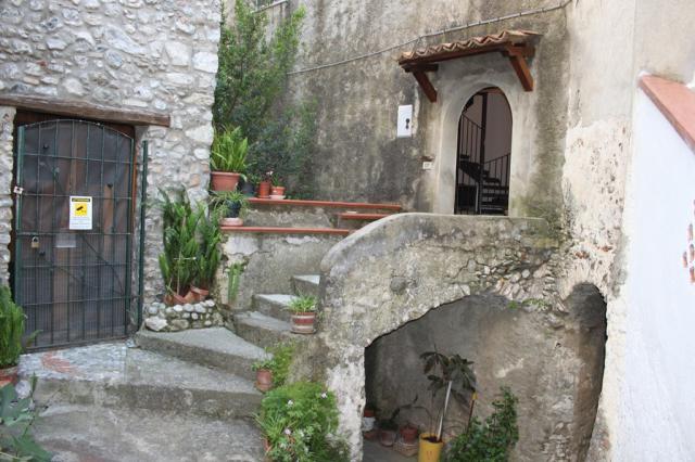 Historisches Haus in Scalea