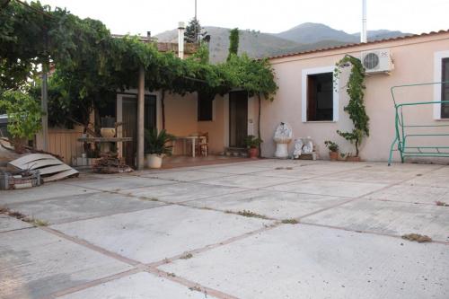Eigenständiges Appartement in Santa Domenica Talao