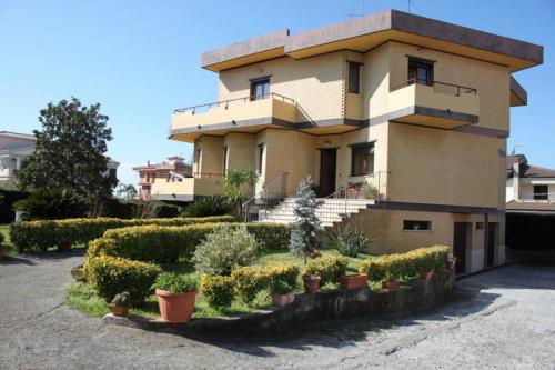 Moradia em Santa Maria del Cedro