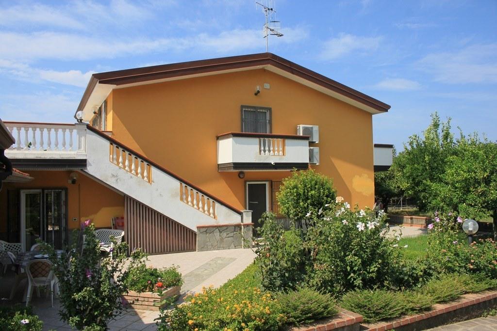 Villa in Scalea