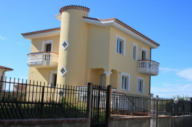 Villa in Scalea