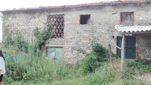 Casolare a Fivizzano