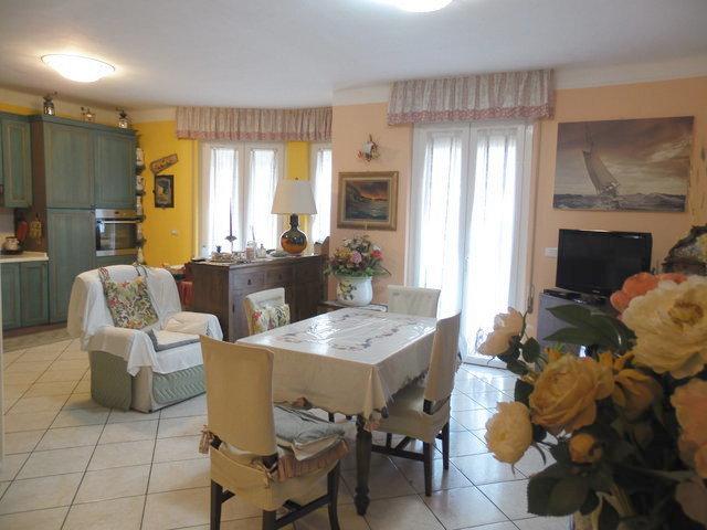 Wohnung in Costarainera