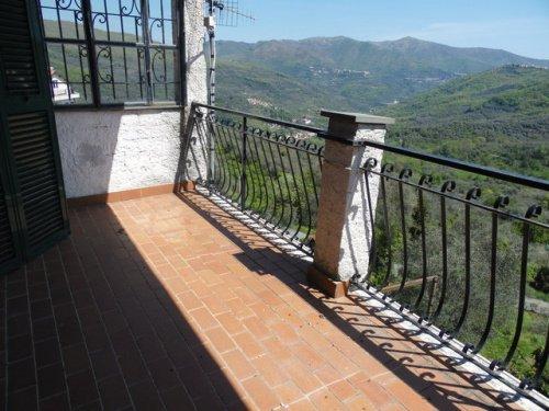 Doppelhaushälfte in Borgomaro
